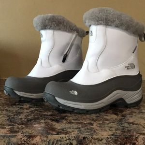 The north face women's snow boots